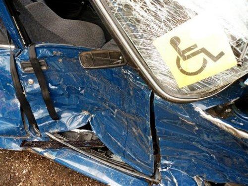 Машина инвалида после аварии