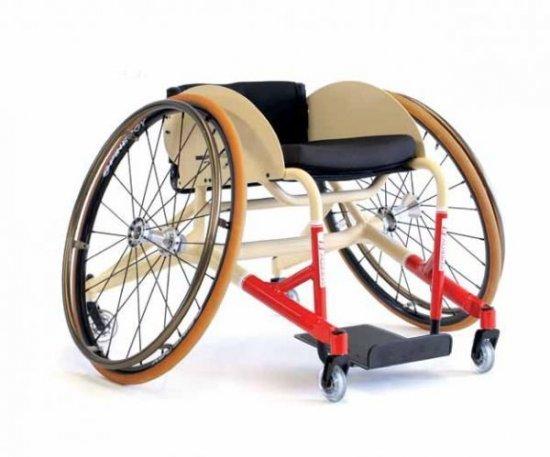 Коляска для инвалидов с укороченной спинкой