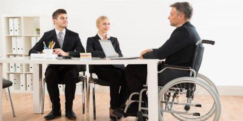 Инвалид на собеседовании по трудоустройству